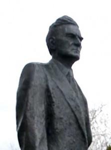 Statuen av Johan Falkberget på Røros.