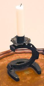 Lampe av gamle hestesko. Foto: Fjell-Ljom