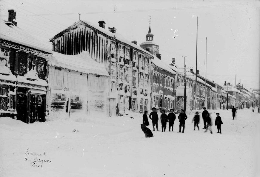 Storgata. Foto: Iv. Olsen, Rørosmuseets arkiv.